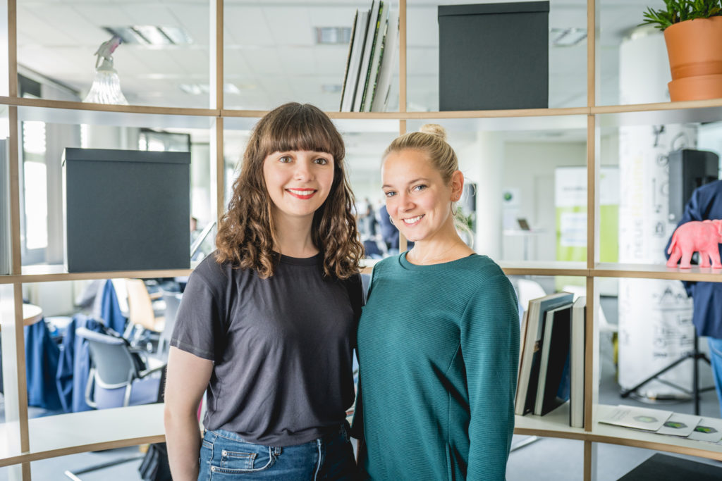 moversXshakers Team (Victoria Blechman-Pomogajko & Carolin Gattermann)